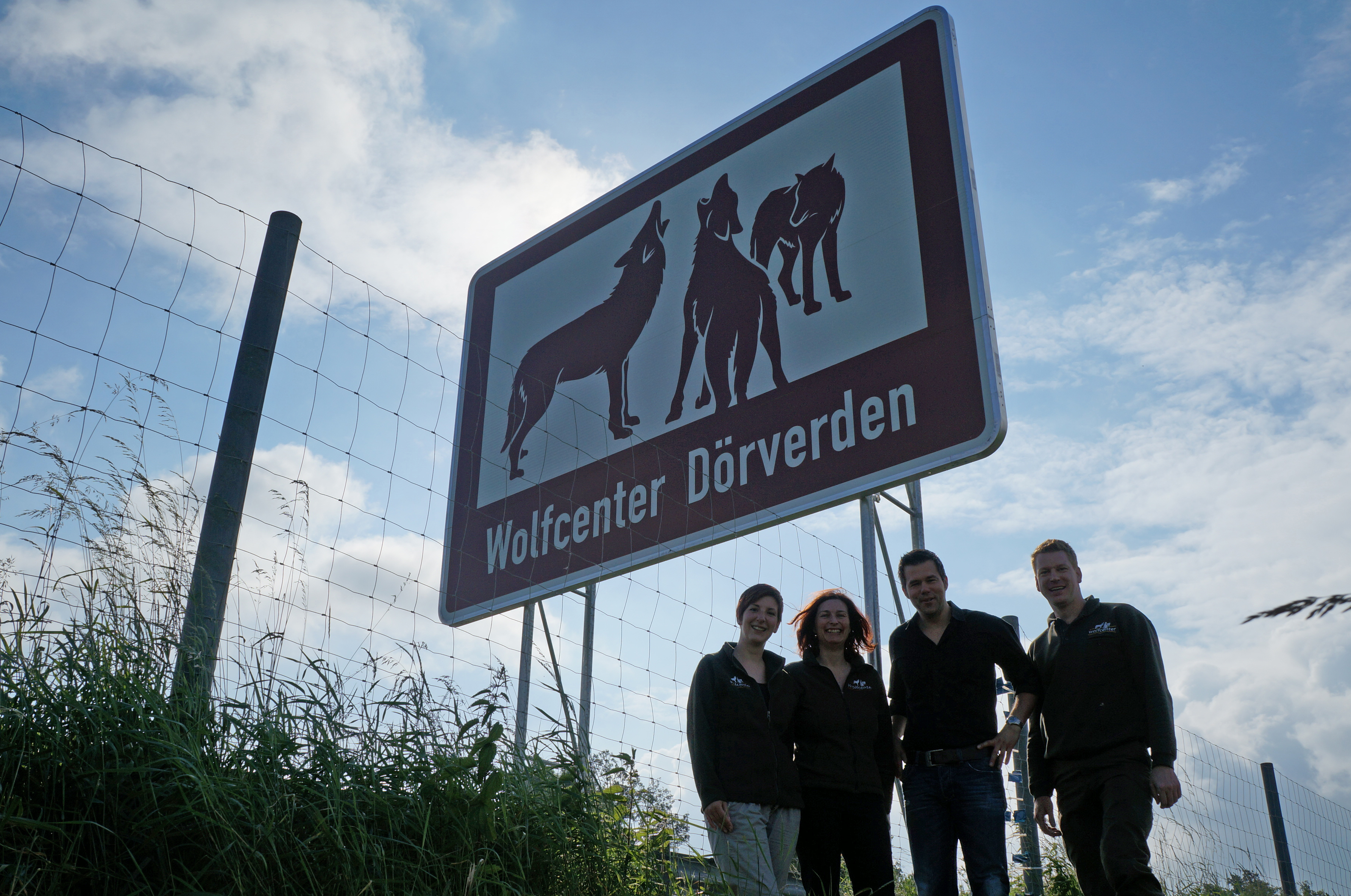 Wolfcenter, Frank Faß, Christina Faß, Autobahnschild, B27, Tourismus