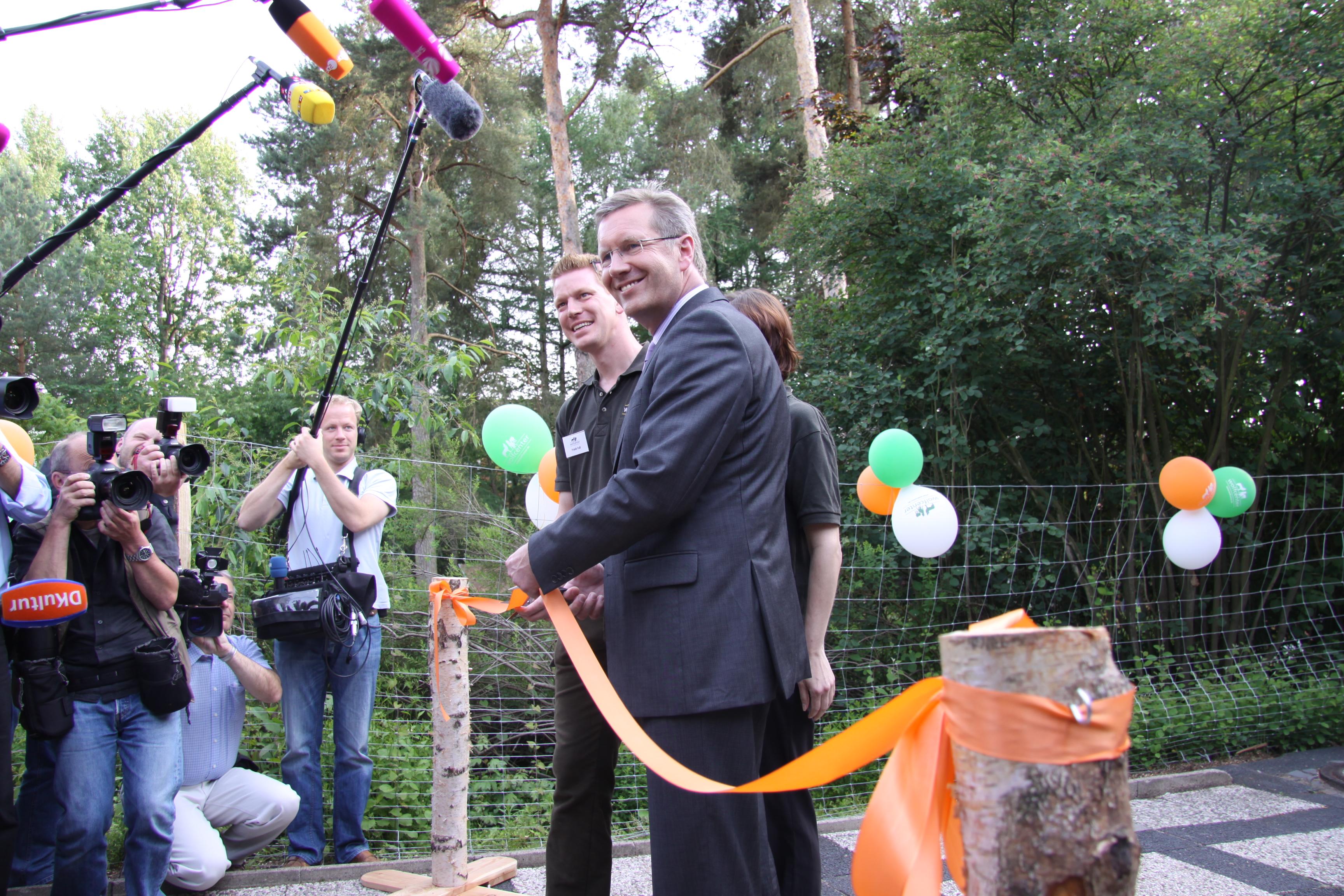 Wolfcenter, Frank Faß, Christina Faß, Christian Wulff, offizielle Eröffnung